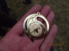 Zlatá medaile půjčená od žen