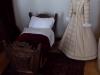 Dětské šaty a kolébka Pernštejnů