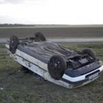 Převrácené osobní auto v Tišnově