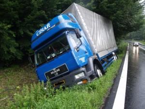 Nákladní auto v Čebíně - ilustrační obrázek