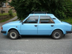 Modrá Škoda 120