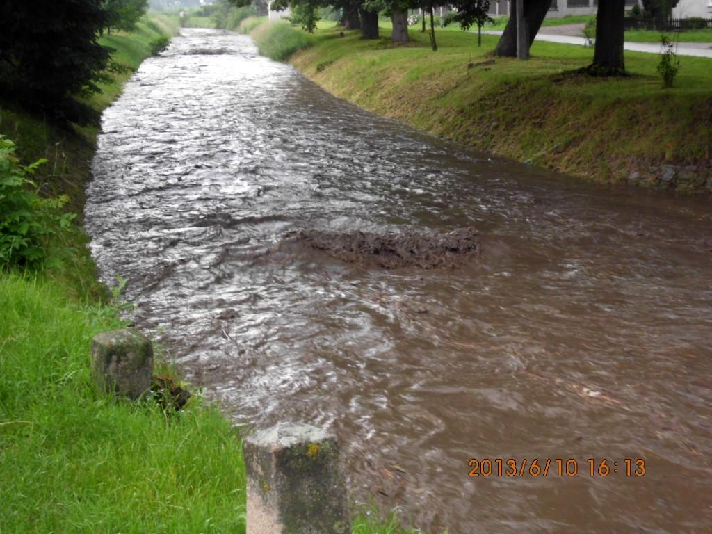 Rozvodněný Besének 2013 v Lomničce